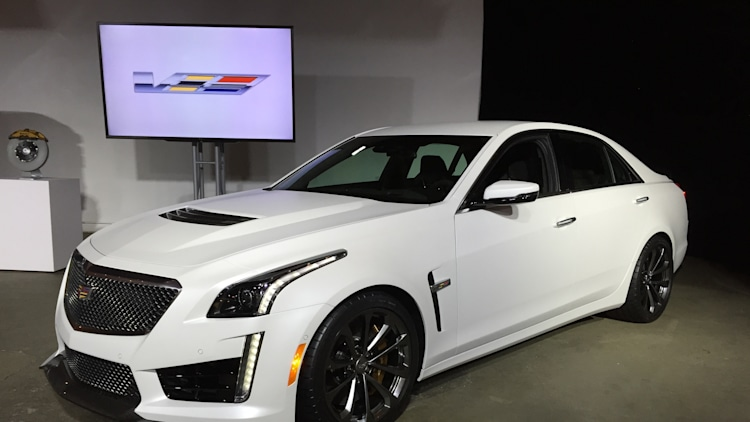 2016 cadillac cts v arrives with 640 hp 200 mph top speed autoblog. Black Bedroom Furniture Sets. Home Design Ideas