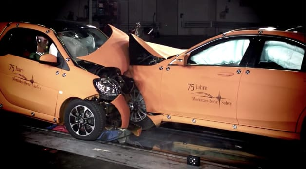 smart highlights safety of new fortwo by crashing into much bigger brother. Black Bedroom Furniture Sets. Home Design Ideas
