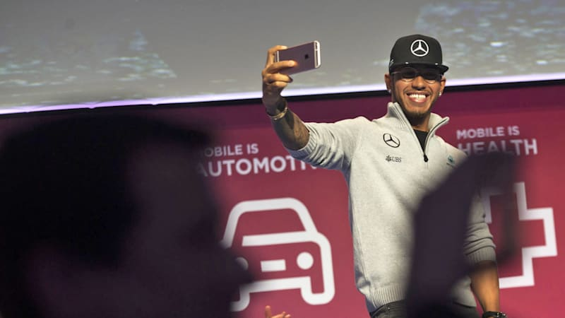 F1 champ Lewis Hamilton isn't afraid of self-driving cars