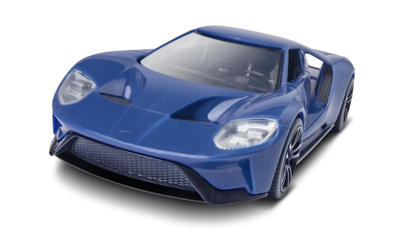 Bring your kid to Detroit show, get a free Ford GT snap kit