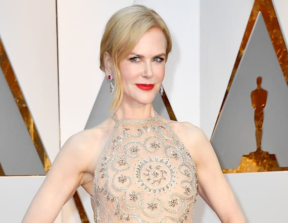 Nicole Kidman wears nude dress at 2017 Oscars
