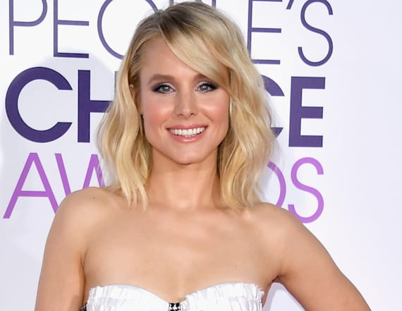 Kristen Bell turns heads with bizarre outfit