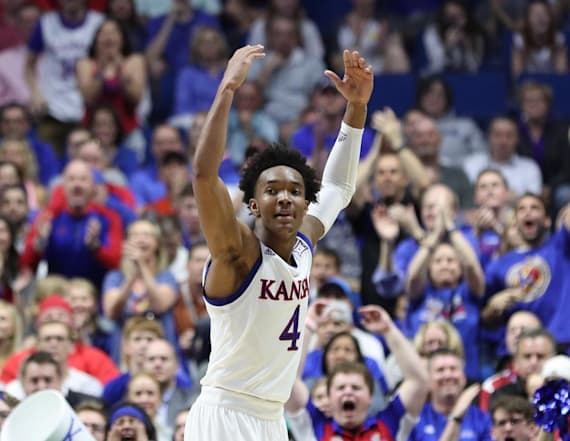Kansas new betting favorite in NCAA tournament