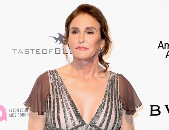 Caitlyn Jenner stuns at Oscars party