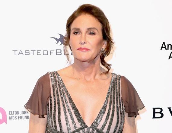 Caitlyn Jenner stuns at Oscars party
