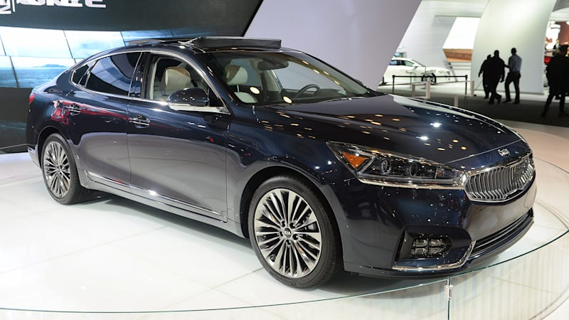 2017 kia cadenza is a redesigned head scratcher autoblog. Black Bedroom Furniture Sets. Home Design Ideas
