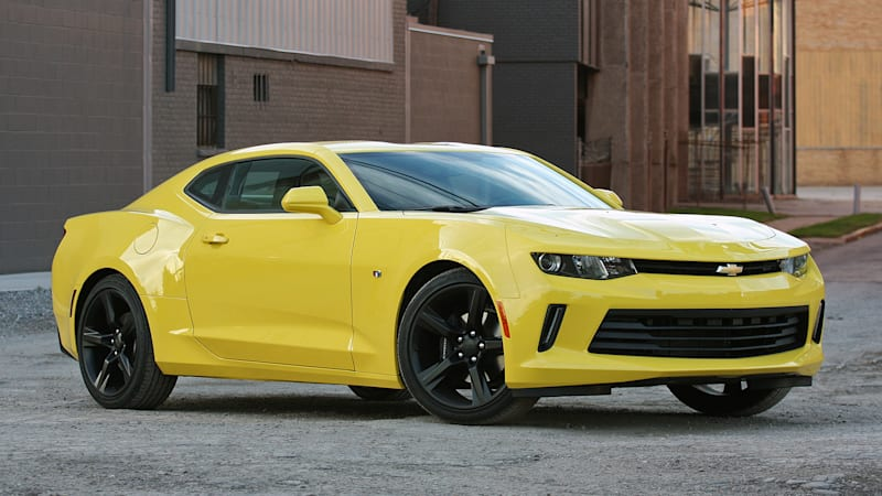 motor trend reveals 2016 chevy camaro as car of the year autoblog. Black Bedroom Furniture Sets. Home Design Ideas
