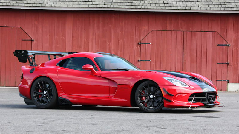 2016 dodge viper acr first drive w video autoblog. Black Bedroom Furniture Sets. Home Design Ideas