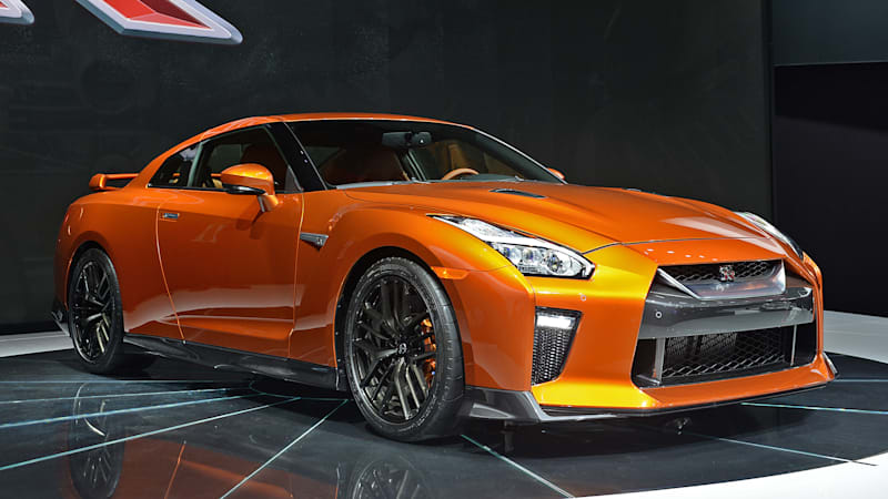 2017 nissan gt r gives godzilla a meaner face more bite autoblog. Black Bedroom Furniture Sets. Home Design Ideas