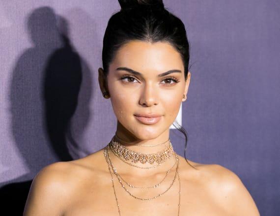 Kendall Jenner flaunts bikini body
