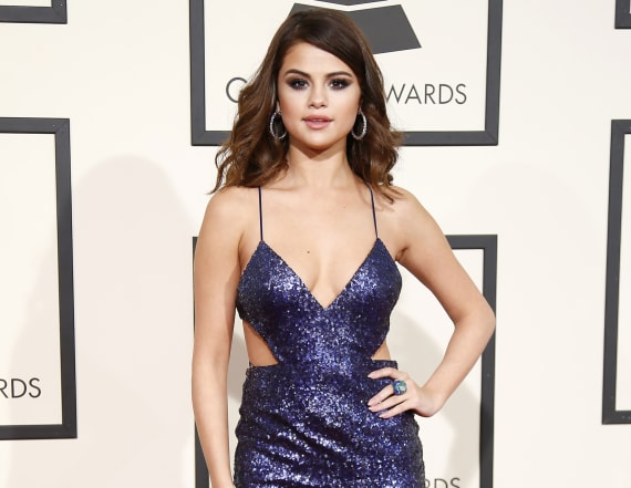 Selena Gomez chops off a ton of her hair