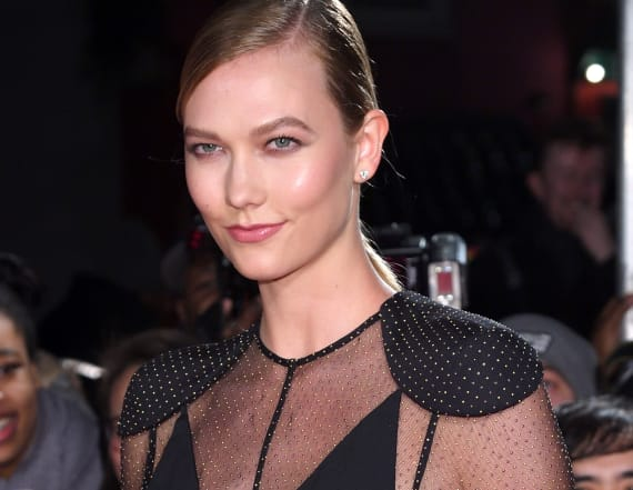 Karlie Kloss shows major side boob