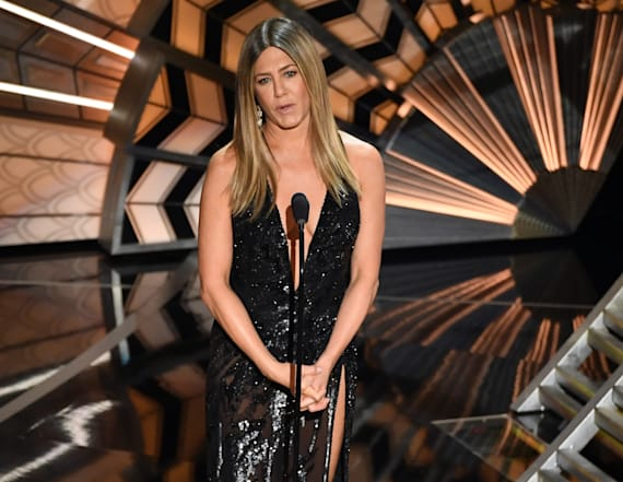 Oscars in memoriam brings Jen Aniston to tears