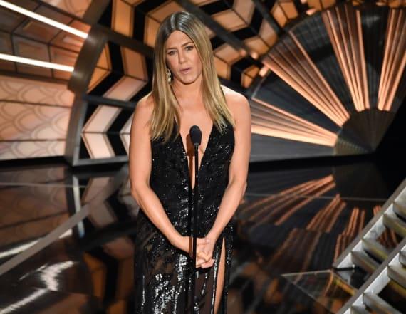 Oscars in memoriam brings Jen Aniston to tears