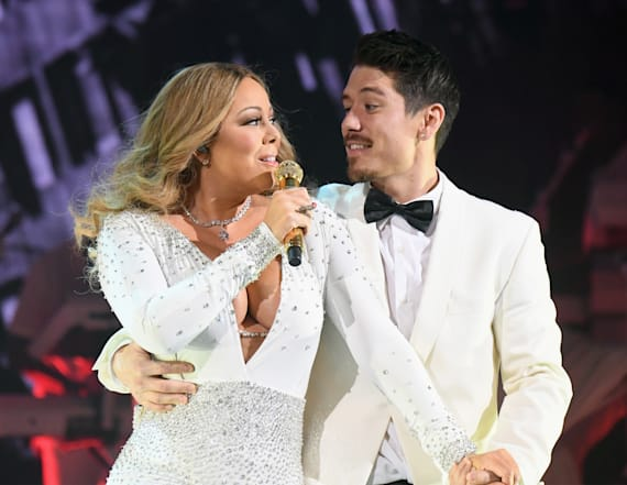 Mariah Carey flaunts cleavage at wedding