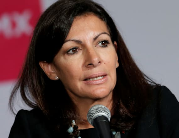 Paris mayor responds after Trump insults the city