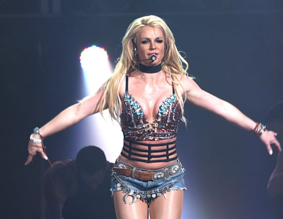 Britney Spears shows off toned body in skimpy outfit