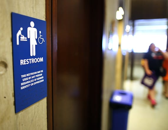 Trump expected to repeal trans bathrooms rules