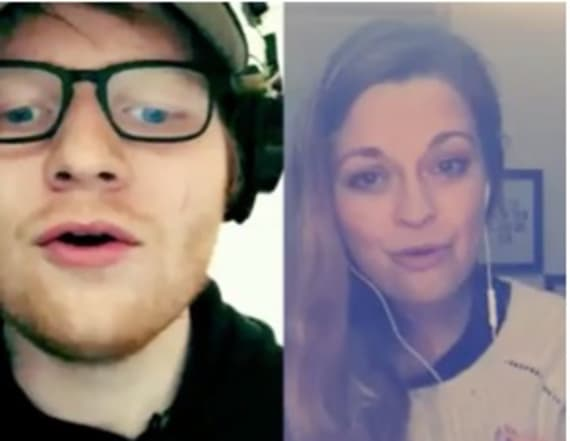 Ed Sheeran duets with fans