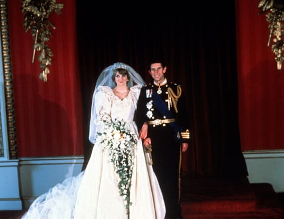 Photos of Diana and Charles go viral