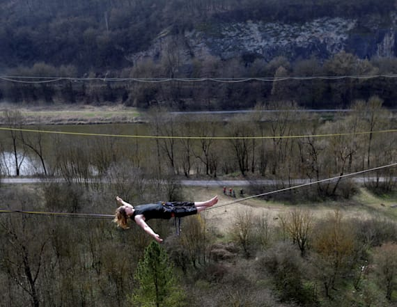 Highlining daredevils take balancing to the extreme
