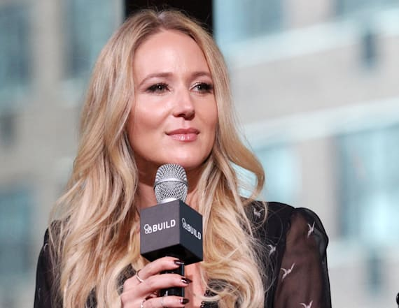 Jewel's holiday gift guide