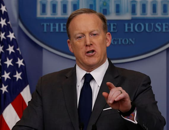 WATCH LIVE: Spicer holds daily WH press briefing