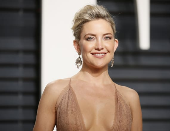 Kate Hudson makes out with new man