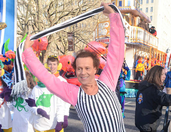 Richard Simmons breaks silence after hospital stay