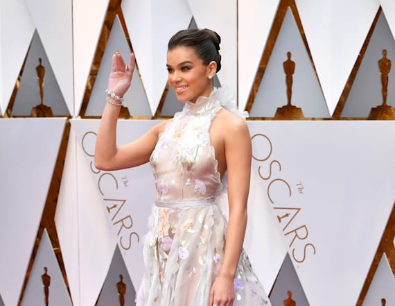 Hailee Steinfeld dazzles in dreamy Oscars dress