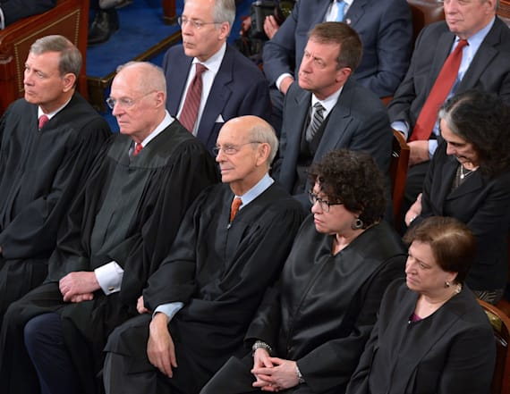 Fake news claims SCOTUS bench opposes Gorsuch