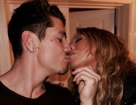 Mariah shares 'provocative' make-out photo