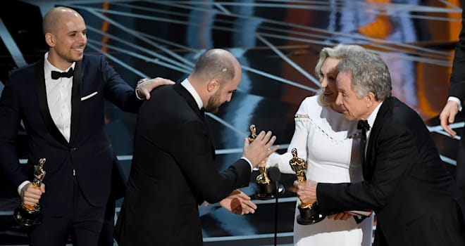 Oscars 2017 Best Picture Fail Explained: They Got 'Wrong Category Envelope'