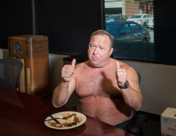 Photo of shirtless Alex Jones sets internet ablaze