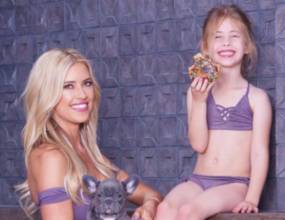 'Flip or Flop' star dons revealing bikini