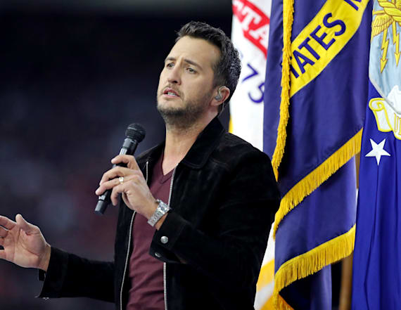 Luke Bryan reveals death of his niece