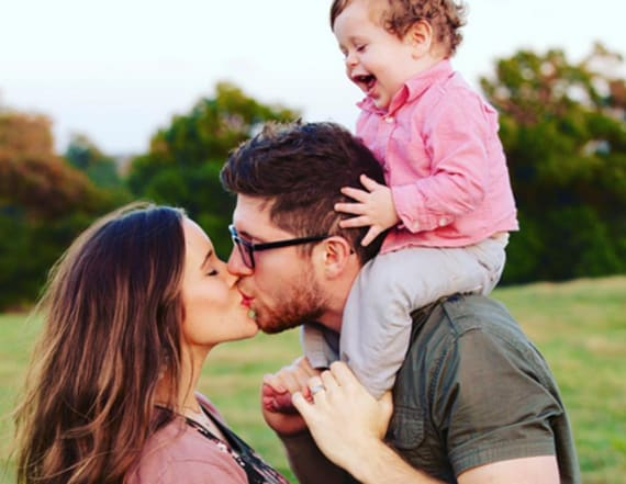 Jessa (Duggar) Seewald shares pic of newborn son