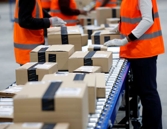 Amazon strikes back at retailer's 2-day shipping