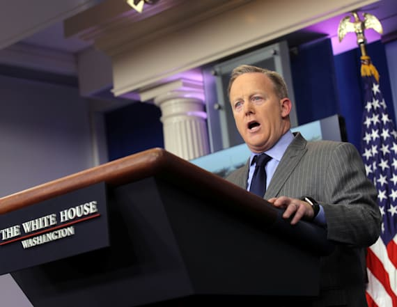 Sean Spicer holds first daily WH press briefing