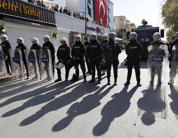 Turkey detains 1,000 'secret imams' in police purge