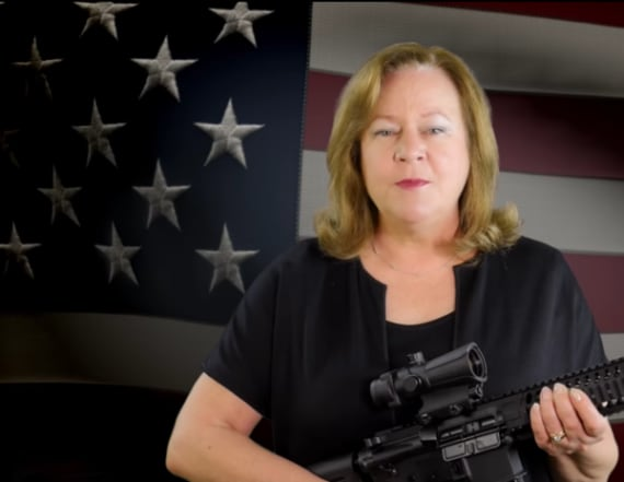 Sheri Few gains notoriety for controversial ad