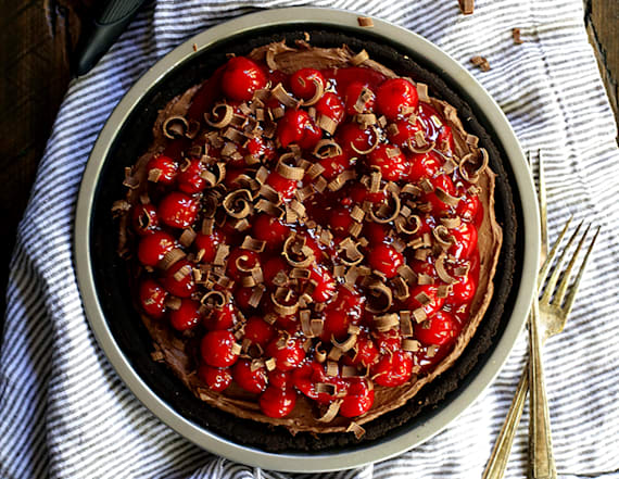 10 minute black forest no-bake cheesecake