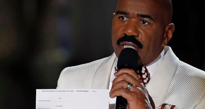Steve Harvey Reacts to Oscars 2017 Gaffe: 'Call Me, Warren Beatty'