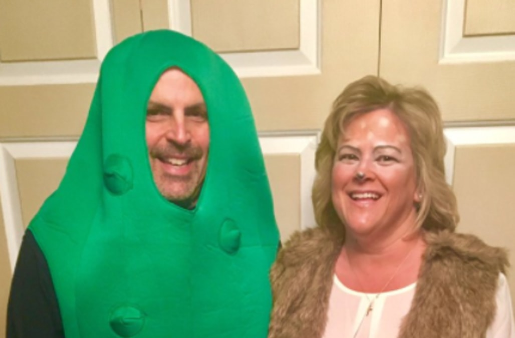 Scott and Karen Bogin have risen to internet fame for their Halloween  costume. Their daughter 3c8ebe0ac