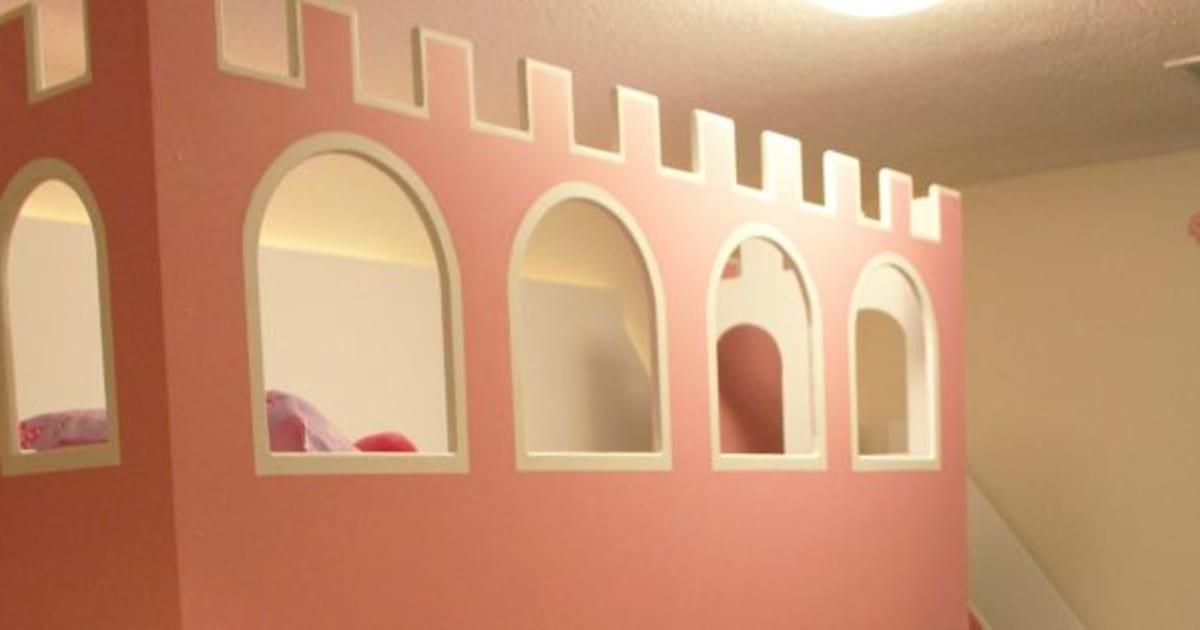 photos un vrai lit de princesse pour ses filles. Black Bedroom Furniture Sets. Home Design Ideas