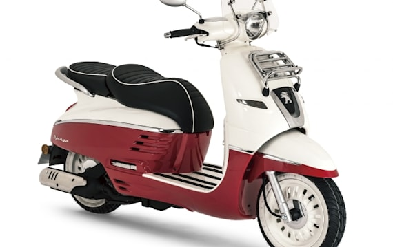 プジョースクーター、日本で販売開始! 東京モーターサイクルショーに「ジャンゴ125エバージョン」など6モデルを出展