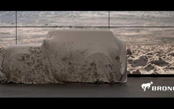 フォード、新型「ブロンコ」の画像を初公開! 期待が高まるカバーの下を予想してみた