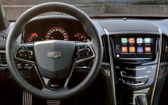 キャデラックCEO、自社製品のことは棚に上げApple CarPlayを「ひどくダサい」とこき下ろす