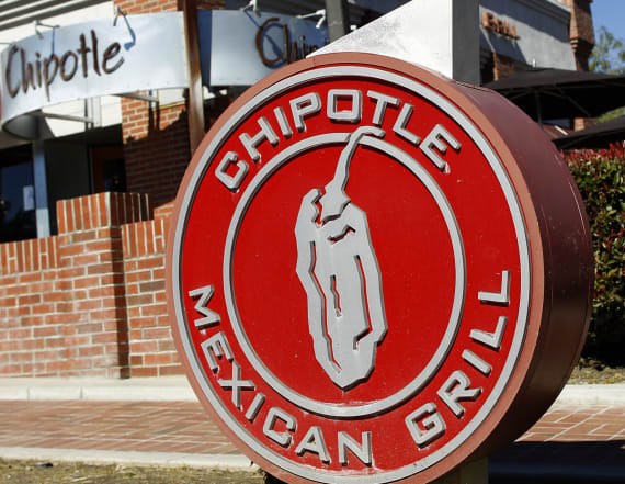 Chipotle customers find one item in bowl and panic