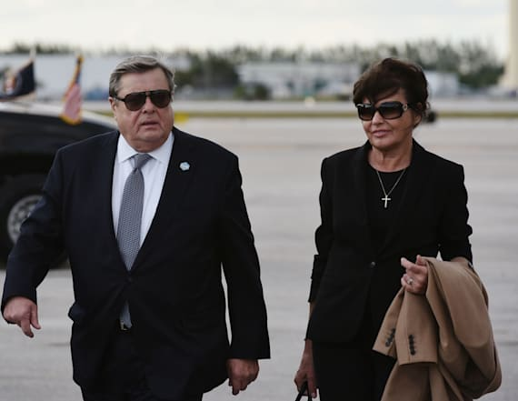Photo of Melania Trump's parents looks farmiliar